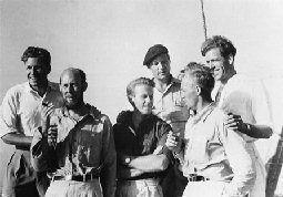 El libro Kon-Tiki, que Heyerdahl escribió relatando las peripecias de la expedición, fue un best-seller y se tradujo a 66 idiomas, y la película que se filmó ganó un Oscar en 1951.