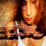 Idolatria: Un vinculo adictivo que encadena