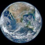 El Espejo de los otros entre la Luna y la Tierra