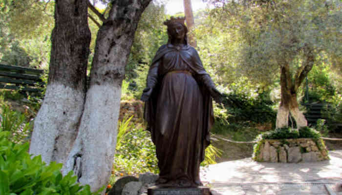 Canalizacion en casa de la Madre Maria