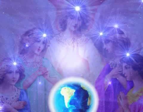 Atrae ayuda angelica con Ciudad Bajo Sitio
